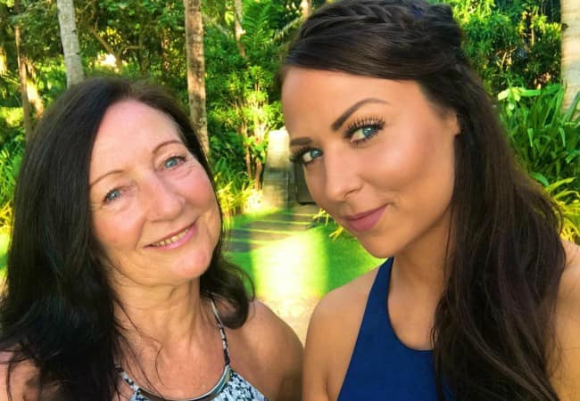 Tenille Dashwood (Right) in a selfie with her mother as seen in December 2017