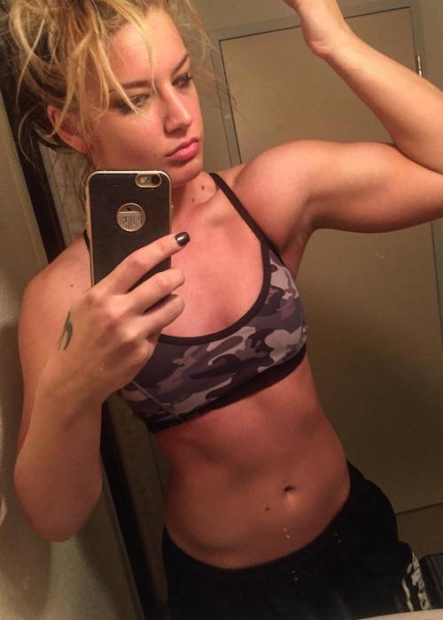 Toni Storm showing her body gains in August 2017