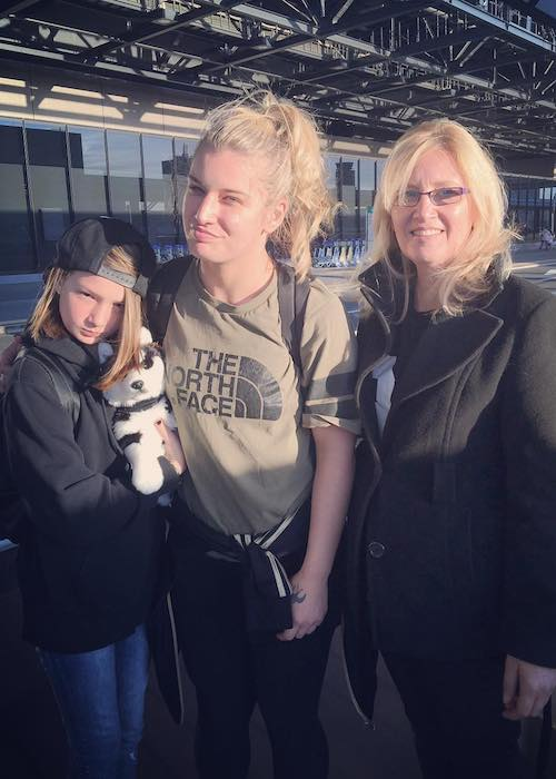 Toni Storm with her mother and younger sister in February 2018
