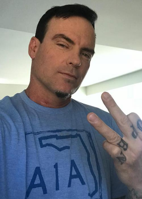 Vanilla Ice during a selfie in February 2018