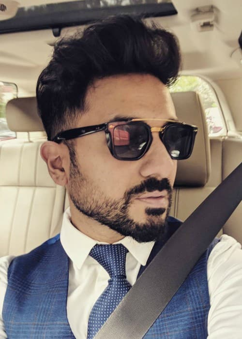 Vir Das in an Instagram selfie as seen in January 2018