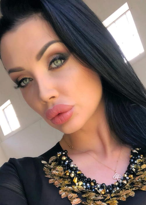 Aletta Ocean in an Instagram selfie as seen in April 2018