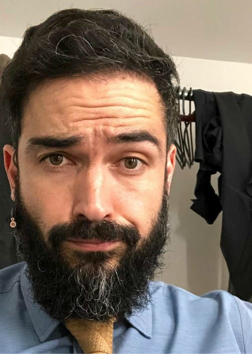 Alfonso Herrera in an Instagram selfie as seen in April 2018
