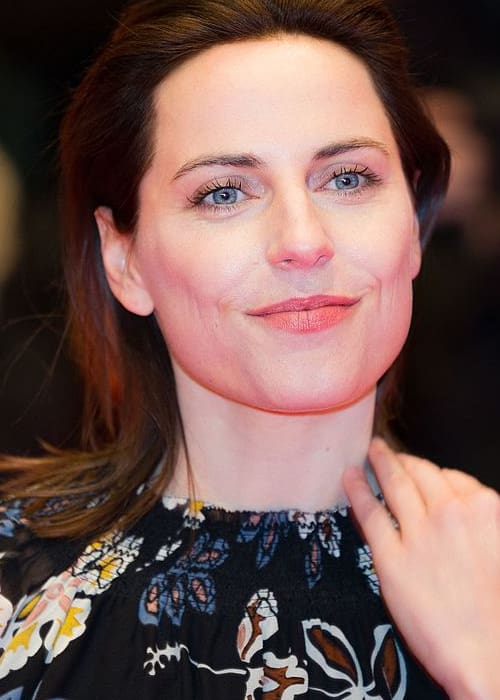 Antje Traue on the red carpet of the Berlinale 2017 opening film