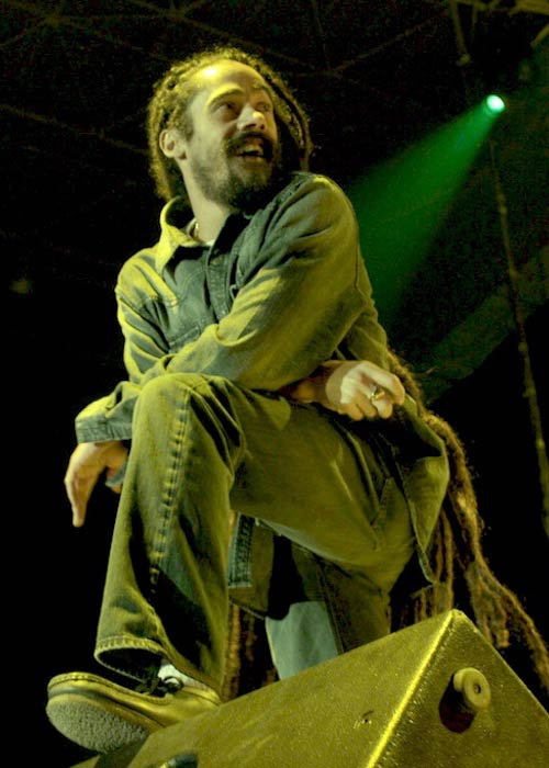 Damian Marley performing in México in 2011