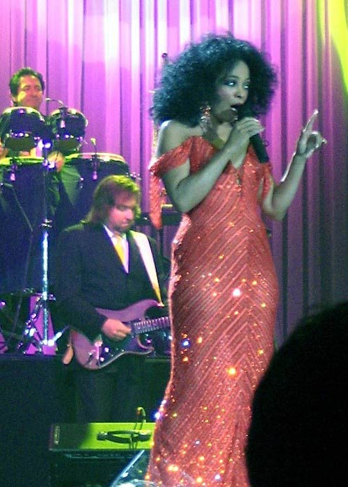 Diana Ross performing in Rotterdam in 2007