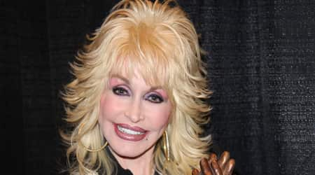Dolly Parton Height, Weight, Age, Body Statistics ...