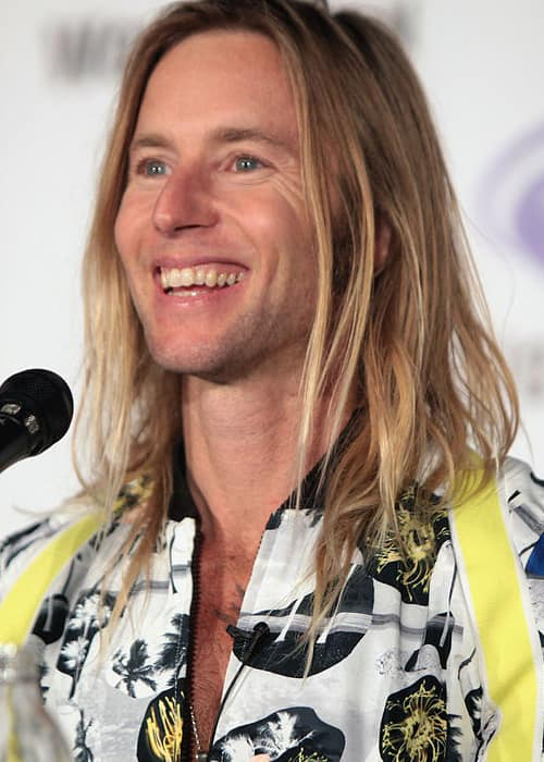 Greg Cipes speaking at the WonderCon in March 2016