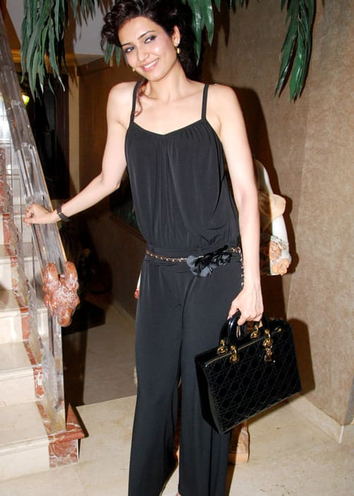 Karishma Tanna at Mika's birthday bash in June 2012