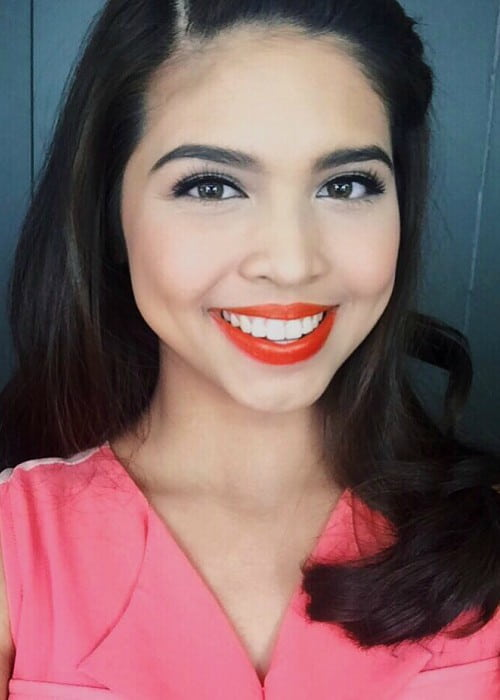 Maine Mendoza in a selfie as seen in December 2015