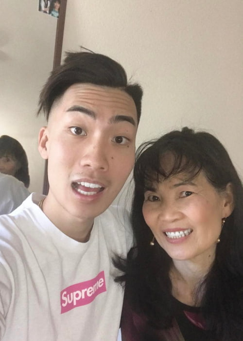 RiceGum in a selfie with his mom in May 2017