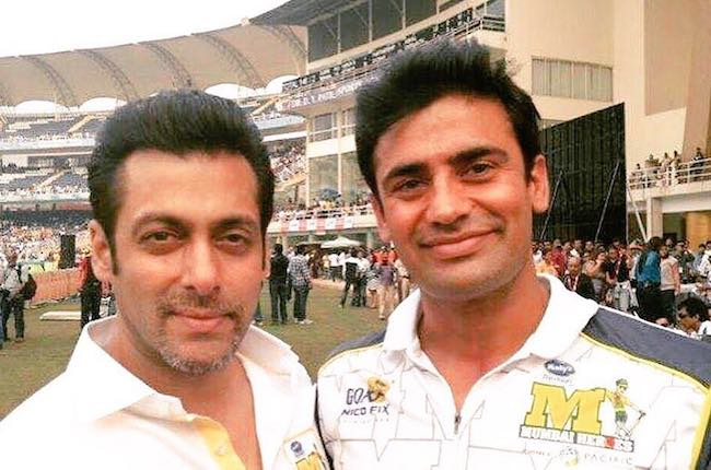 Sangram Singh and Salman Khan (Left) in December 2017