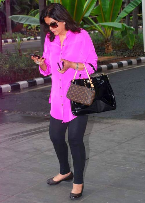 Zeenat Aman returning from IIFA in June 2012