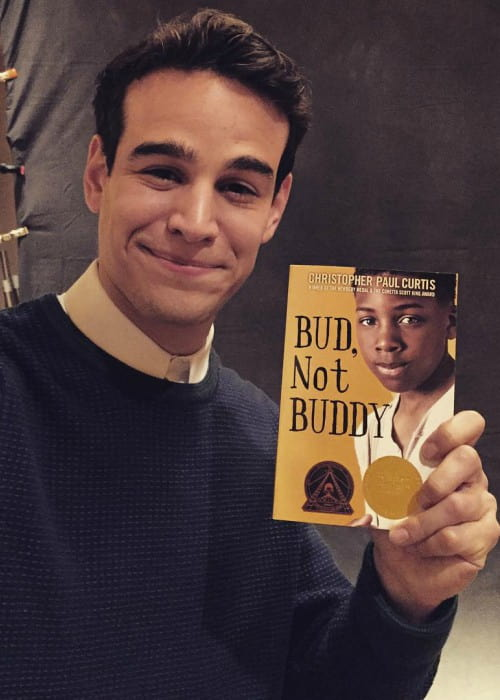 Alberto Rosende promoting Bud, Not Buddy book in an Instagram post in January 2016