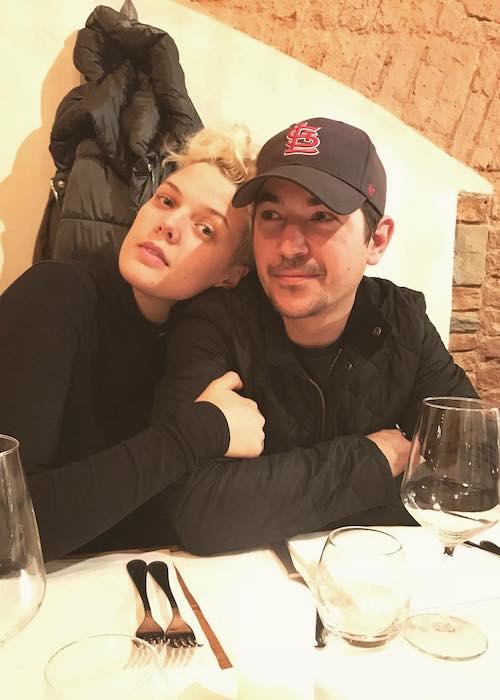 Betty Who with Zak Cassar in December 2017 at Ristorante Trattoria Angiolino in Italy