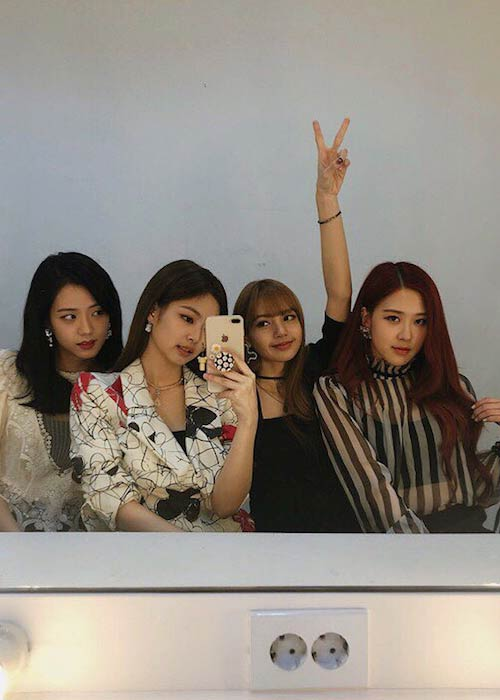 Black Pink band members in an Instagram selfie in June 2018