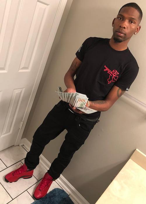 BlocBoy JB with a pile of cash in 2018