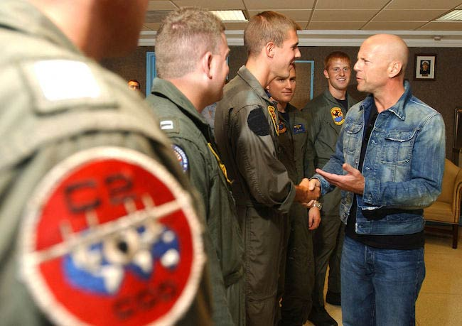 Bruce Willis meeting with US Navy air crew in 2002