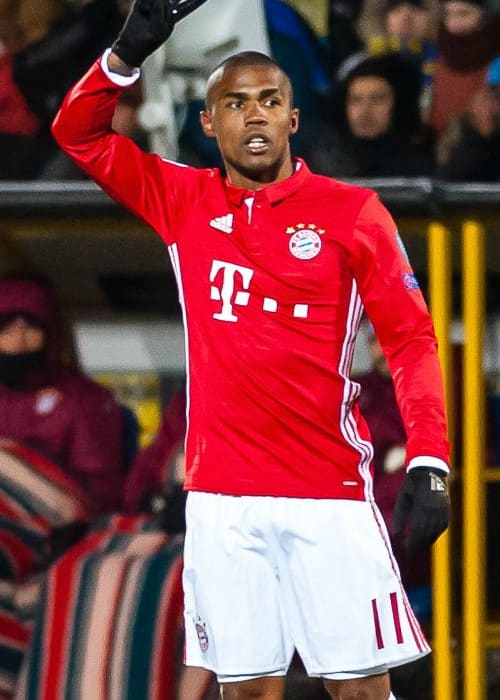 Douglas Costa during a Champions League game in November 2016
