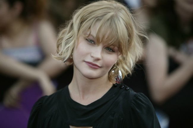 Emilie de Ravin at the 2007 MuchMusic Video Awards red carpet