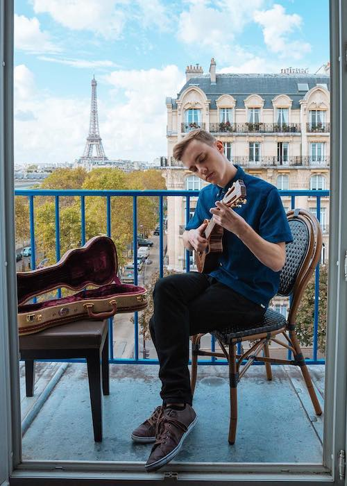 Jon Cozart playing ukulele in the balcony in October 2016