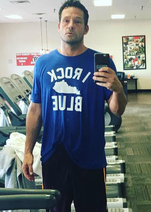 Josh Hopkins in an Instagram selfie in December 2016