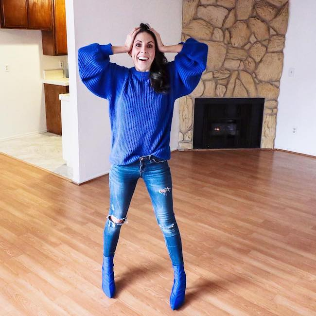 Joslyn Davis showing her excitement after buying a new house in February 2018