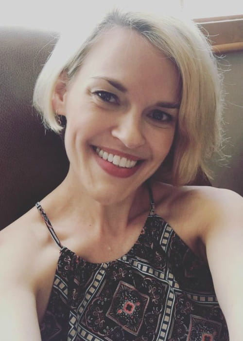 Kari Wahlgren in an Instagram selfie as seen in May 2018