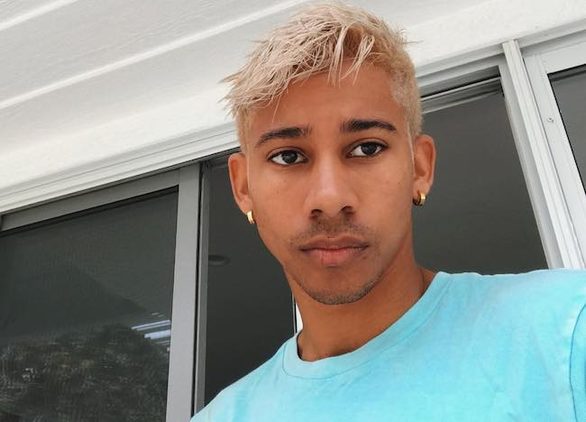 Keiynan Lonsdale showing his blonde hair in May 2018