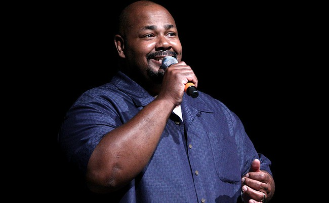 Kevin Michael Richardson speaking at the 2012 San Diego Comic-Con International