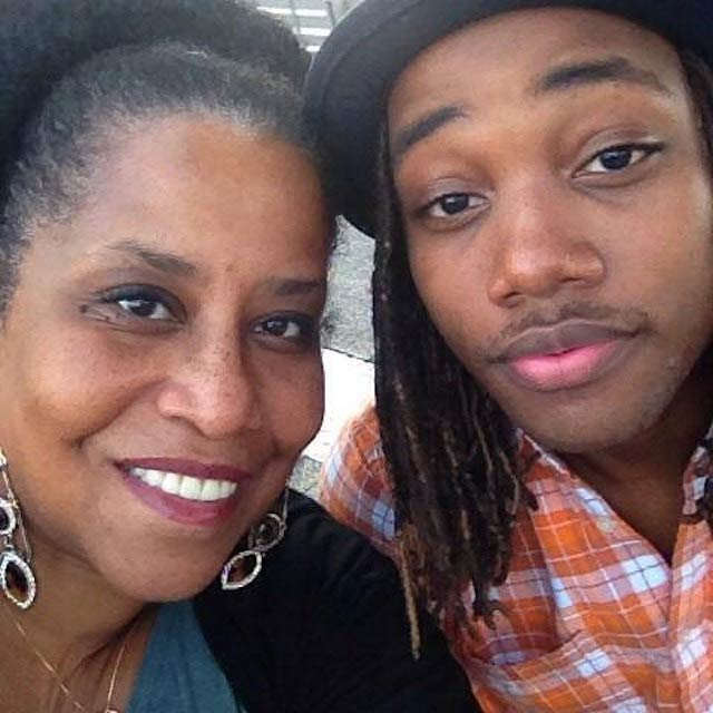 Leon Thomas with his mother on the occasion of Mother's Day in May 2018