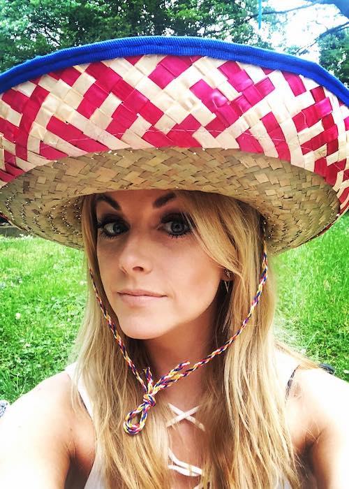 Lindsay Ell wishing everyone Cinco de Mayo on May 5, 2018