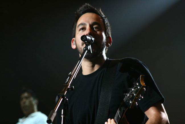 Mike Shinoda of Linkin Park giving a performance in August 2008