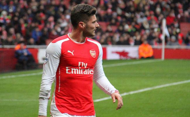 Olivier Giroud during Arsenal vs Aston Villa match in 2015