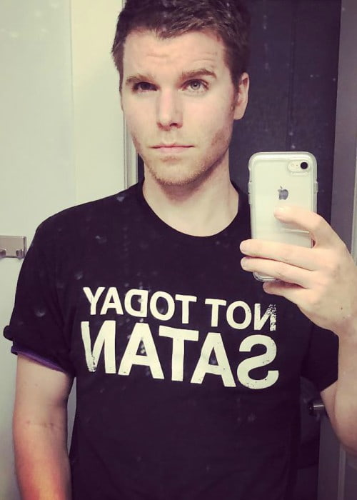 Onision in a selfie in June 2018