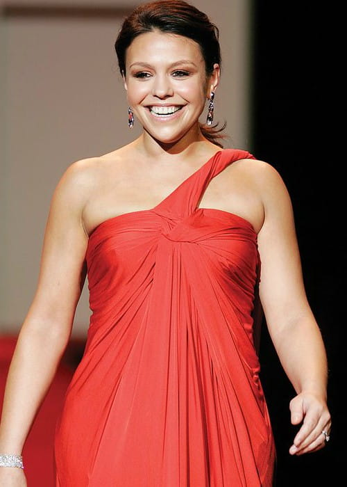 Rachael Ray in the 2007 Red Dress Collection for The Heart Truth