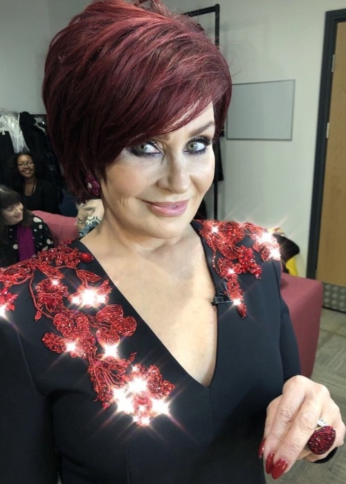 Sharon Osbourne capturing her dazzling beauty in an Instagram selfie in November 2017