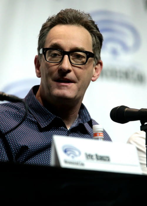 Tom Kenny speaking at the 2018 WonderCon
