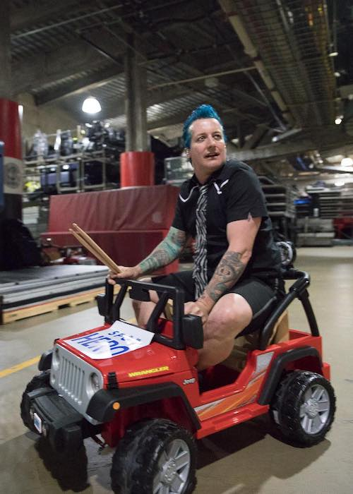 Tré Cool on a car at Verizon Center Washington D.C. in 2017