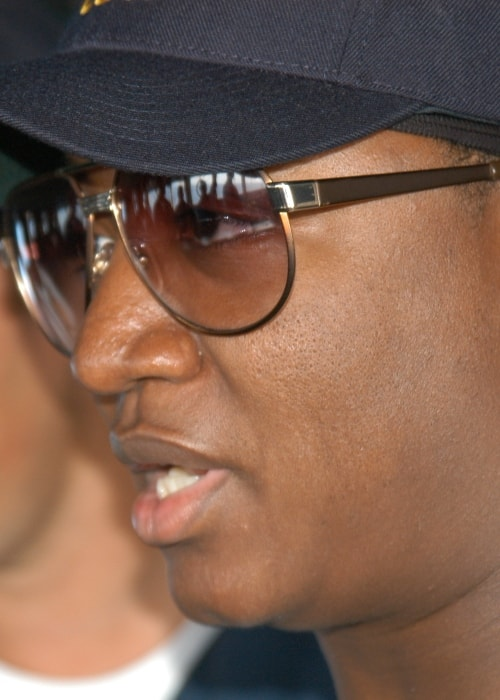 Yung Joc during a tour of the Vicksburg and the aircraft carrier USS Dwight D. Eisenhower in April 2009