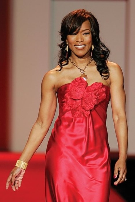 Angela Bassett walking the runway for the Heart Truth campaign in January 2008
