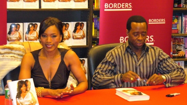 Angela Bassett with Courtney Vance in March 2007