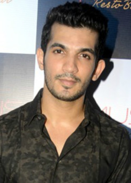 Arjun Bijlani at the launch of Saumya Shetty's resto bar in March 2016