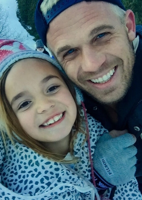 Cam Gigandet in a selfie with his daughter Everleigh on her first skiing adventure in January 2016