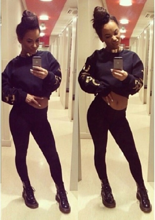 Chelsee Healey in a mirror selfie