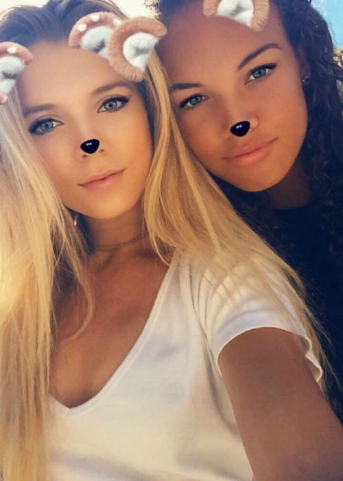 Freya Christie (Right) and Katie Boulter in a selfie in December 2017