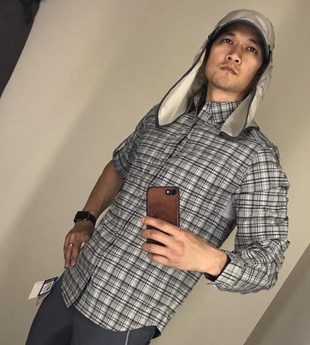 Harry Shum Jr. capturing himself in his hiking gear in a mirror selfie in May 2017