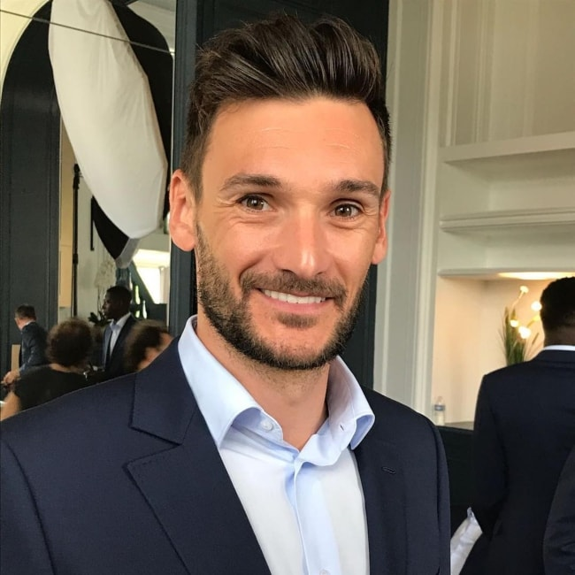 Hugo Lloris in a suited selfie in May 2018