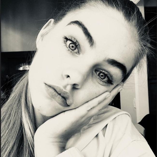 Jade Weber in a black and white selfie in March 2018