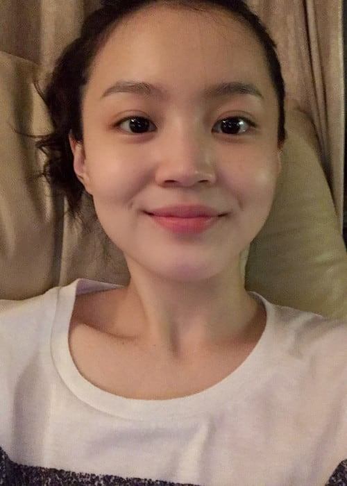 Lee Hi in an Instagram selfie as seen in April 2018